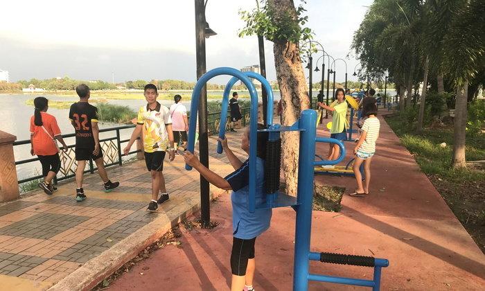 คนขอนแก่นรักสุขภาพ แห่ออกกำลังกายสวนสาธารณะหลักประจำเมือง