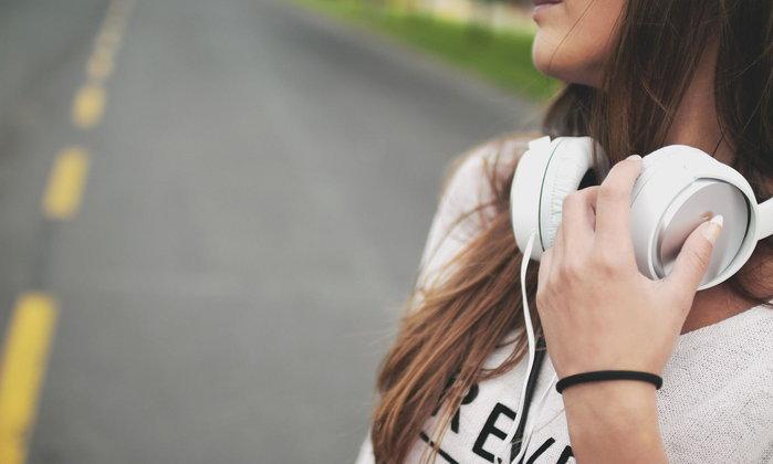 6 เคล็ดลับในการพัฒนาทักษะการฟังของภาษาอังกฤษ