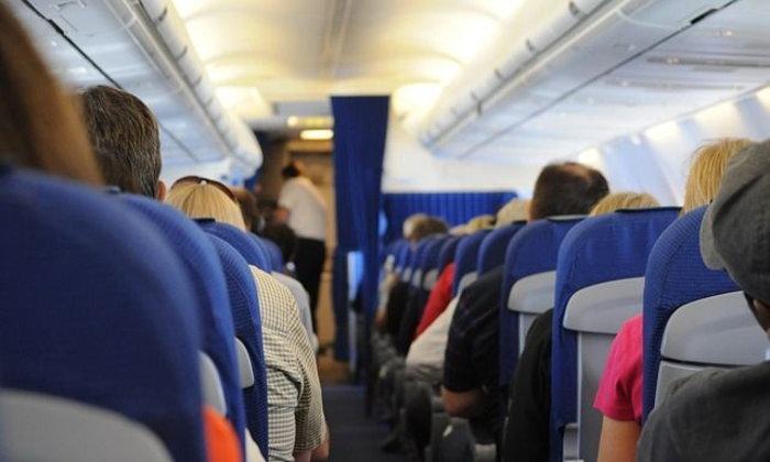 อ้วนผอมเกินไป จะแต่งตัวอย่างไรบนเครื่องบินชั้นประหยัด
