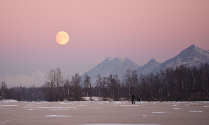 พระจันทร์กับผู้หญิง