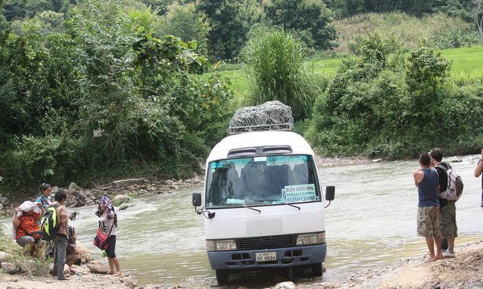 รถโดยสารเที่ยวเดียวสู่เดียนเบียนฟู (4)