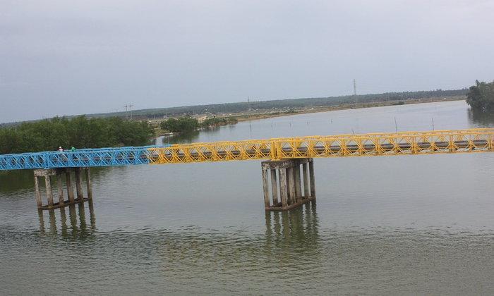 สะพานบนเส้นขนานที่ 17