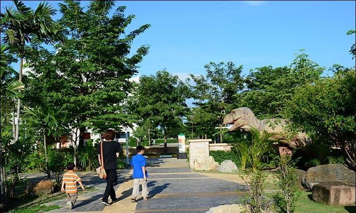 ชมไดโนเสา : พิพิธภัณฑสถานแห่งชาติธรณีวิทยาเฉลิมพระเกียรติ