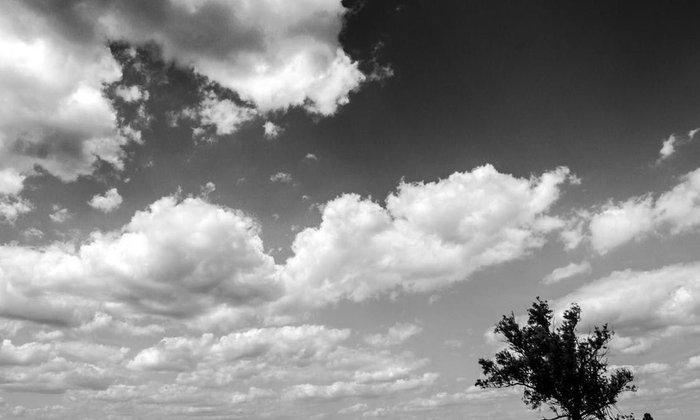 วันที่ท้องฟ้า ยังคงเป็นสีเทา