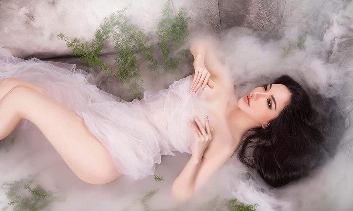 พามารู้จักสาว Pink Vũ นางเเบบสาวสวยจากเวียดนาม ขายาว หุ่นดี เเละขาวเว่อร์มาก !