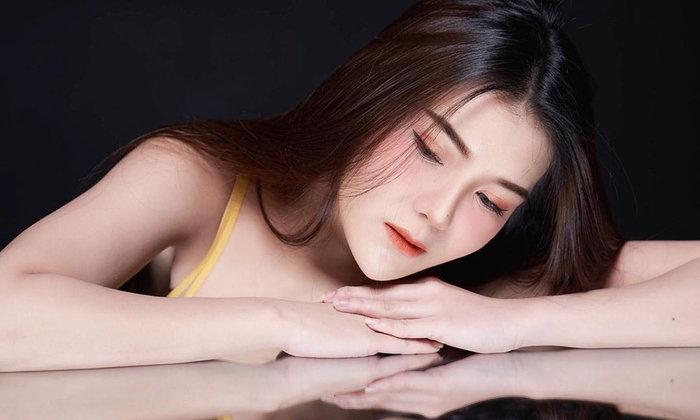 น้องขนมเค้ก แม็กซิม นางแบบสาวไทยสุดเซ็กซี่ที่หนุ่มๆ ติดตามไว้รับรองว่าไม่ผิดหวัง