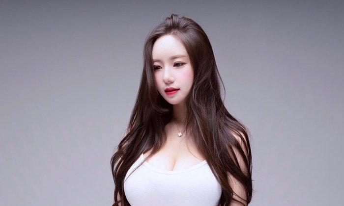 แจกวาร์ปน้อง เบอร์รี่ ยุน นางแบบกางเกงในสุดเซ็กซี่จากแดนกิมจิ หุ่นดีเวอร์