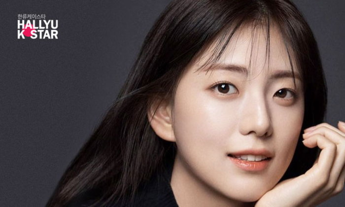 คิมจียุน พี่สาว จีซู BLACKPINK เปิดเผยรูปโปรไฟล์แรก พร้อมข่าวลือเตรียมเดบิวต์ในวงการบันเทิง