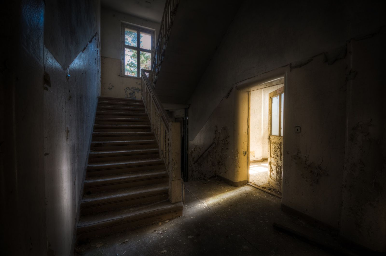 [เรื่องสั้นสามนาที] #วิปริตวิปลาส - กลับบ้านเก่า โดย ธิชา ชัย