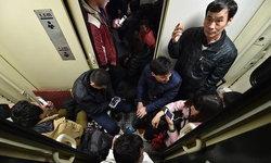 ตรุษจีน...กลับบ้านกัน คนจีนแห่ขึ้นรถไฟความเร็วสูงแน่นขนัด
