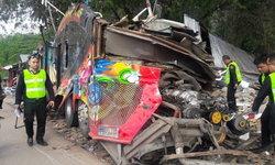 เหยื่อรถบัส 18 ศพ แฉคนขับหนีออกประตูฉุกเฉิน เหมือนตั้งใจฆ่าลูกทัวร์