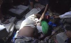 สุดสลด เด็กชายนอนกอดร่างพ่อเสียชีวิตจากเหตุโจมตีทางอากาศในเยเมน ไม่ยอมห่าง