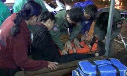 หวิดดับ กิ่งไม้ใหญ่หักทับเด็กนักศึกษาขณะขับมอเตอร์ไซค์กลับบ้าน