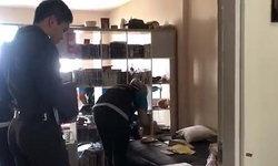 ห้องถูกตัดไฟช่วงสงกรานต์ สาว 26 ถูกพบเป็นศพตายเปลือยคาคอนโด พร้อมยาปริศนา