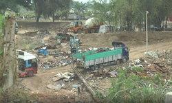 ซ้ำแล้วซ้ำอีก พม่าชอบทิ้งขยะลงแม่น้ำเมย