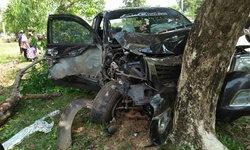 ประเดิมวันแรก กระบะหลับใน ชนต้นไม้ ดับ 1 ศพ เจ็บนับสิบ