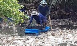เกลื่อนคลอง! กองขยะล้นเมืองปลาทู จนท.เร่งเก็บกำจัด พบ 3 เดือนผ่านปริมาณขยะมีแต่เพิ่ม