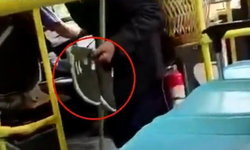 ไล่ออกคนขับรถเมล์จีน หลังสั่งผู้โดยสารเช็ดรองเท้าก่อนขึ้นรถ