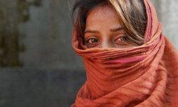พ่ออินเดียมีแต่ลูกสาวถึง 6 คน ช้ำใจไม่ได้ลูกชาย ลงมือโหดแทงลูกสาวเพิ่งเกิดดับ