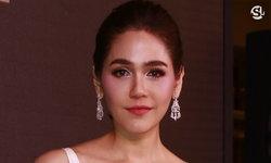 """จากใจ """"ชมพู่ อารยา"""" ดาราไทยเดินพรมแดง เจอแฮชแท็กดราม่า #เกิดที่ไทยตายที่คานส์"""