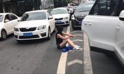 สาวจีนถูกลักพาตัวหลังเลิกงาน เคราะห์ดีรถเกิดอุบัติเหตุ ถูกคนช่วยไว้ได้