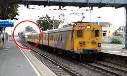 ผู้โดยสารตื่นตกใจ รถไฟขบวนนี้ร้อนแรง แล่นมากับเปลวเพลิง