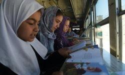 """ส่อง """"ห้องสมุดเคลื่อนที่"""" กลางสมรภูมิรบที่อัฟกานิสถาน"""