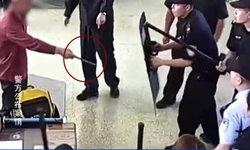 ลุงจีนแย่งมีดขู่แทงตำรวจ หลังตรวจพบในสถานีรถไฟ อ้างใช้ปกป้องเงินแสน