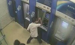ชายควงค้อนทุบตู้ ATM พัง 6 ตู้ ระบายแค้นหลังทะเลาะกับรปภ.ธนาคาร