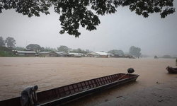 ตากอ่วม 4 อำเภอเจอพิษฝนข้ามคืนข้ามวัน น้ำเอ่อท่วมพื้นที่แล้ว