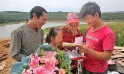 เพชรในตม หนุ่มจีนลูกคนงานก่อสร้าง ได้รับหนังสือตอบรับจากมหาวิทยาลัยชั้นนำ