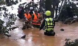 เปิดคลิปนาทีช่วย 14 ชาวลาว สูญหาย 4 วัน ทารกร้องไห้จ้าในอ้อมกอดกู้ภัยไทย