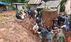 เผยดินสูง 4 เมตร ถล่มทับ 8 ชีวิตดับยกครัว อพยพชาวบ้านหวั่นซ้ำรอย