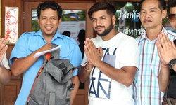 คนดีต้องชื่นชม-หนุ่มอินเดียปลื้ม โชเฟอร์สองแถวเก็บกระเป๋าส่งคืนพร้อมเงินร่วมครึ่งแสน