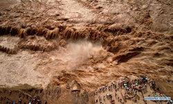 ภาพชวนสะพรึง ความเกรี้ยวกราดของมหาน้ำตกหูโข่ว หลังฝนตกหนัก