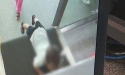 อย่าเผลอไป เด็กชาย 2 ขวบเกือบถูกดูดเข้าเครื่องสแกนกระเป๋าในสถานีรถไฟ (มีคลิป)