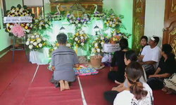 น้องเผยพี่สาวสุดตื่นเต้นกับงานวันแม่ครั้งแรก ให้เตรียมชุดผ้าไทยไว้ ก่อนเกิดอุบัติเหตุดับ