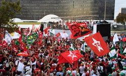 """ที่นี่บราซิล! """"คนเสื้อแดง"""" ชุมนุมใหญ่ จี้ปล่อยตัวอดีตผู้นำ เชื่อกลั่นแกล้งทางการเมือง"""