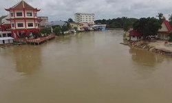 มุกดาหาร น้ำโขงแตะระดับวิกฤตอีกรอบ เตือนชาวบ้านขนของหนีน้ำท่วม