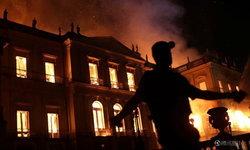 เพลิงไหม้พิพิธภัณฑ์แห่งชาติของบราซิล อายุกว่า 200 ปี