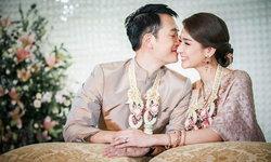 """""""เนย โชติกา"""" นานๆ จะชมสามีออกสื่อ ขอโพสต์หวาน ครบรอบแต่งงาน 2 ปี"""