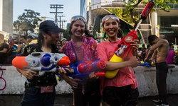 """ผู้อ่านนิตยสารท่องเที่ยวดัง โหวต """"คนไทย"""" ดีที่สุดในโลก - """"อิตาลี"""" แชมป์น่าเที่ยว"""