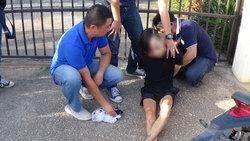 หนีไม่รอด! คลิปนาทีที่ตำรวจขับรถจยย.ไล่บี้จับกุมตัวสาวสอง เครือข่ายยาบ้า