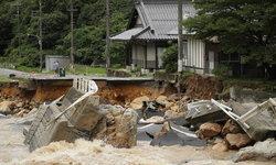 """น้ำท่วม """"เกียวโต-โอซาก้า"""" ตาย 8 สูญหายเพียบ - """"อุตุฯญี่ปุ่น"""" ชี้ฝนหนักครั้งประวัติศาสตร์"""