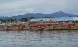 ยังพิโรธ! ทะเลอันดามัน-อ่าวไทยเจอมรสุมหนัก เรือประมงกว่า 100 ลำจำศีลชั่วคราว