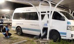 โชเฟอร์ถูกรถตู้ไหลอัดเสา ดับสยองคาโรงจอดรถห้างดัง