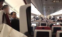 เครื่องบินต้องดีเลย์ 2 ชั่วโมง หลังสองสาวจีนถือเคล็ด โยนเหรียญขอพร