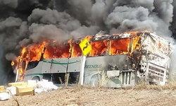 ไฟไหม้รถกรีนบัส เชียงใหม่-เชียงราย เพลิงวอดทั้งคัน ผู้โดยสารหนีตายระทึก