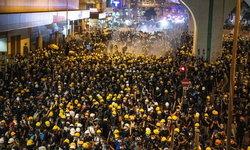 ฮ่องกงปะทะเดือด ตำรวจยิงแก๊สน้ำตา-กระสุนยาง ใส่กลุ่มผู้ชุมนุมชุดดำ