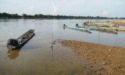 หนองคายน้ำโขงต่ำหนัก ชาวบ้านหาปลาไม่ได้จนต้องจอดเรือ